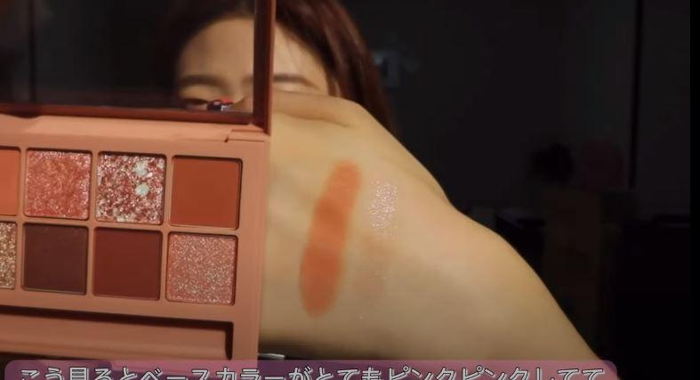 韓国コスメの新色アイシャドウの発色20